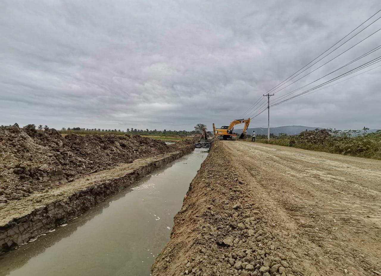 Avanzan-trabajos-en-via-Correagua-la-Sequita-3