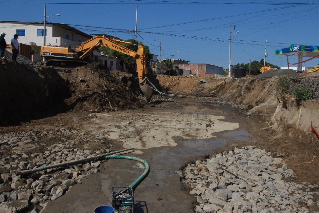Se-construye-ducto-cajon-en-Jaramijo-4